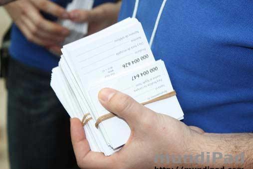 Reservas del iPad 2 en la cola para el lanzamiento.