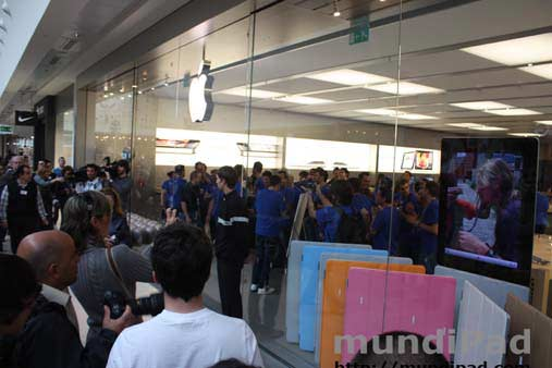 En la Apple Store de Madrid se preparan.